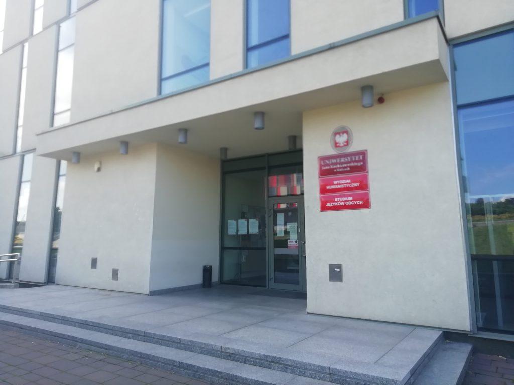 Budynek Wydziału Humanistycznego UJK w Kielcach, w którym mieści się siedziba CKiJP